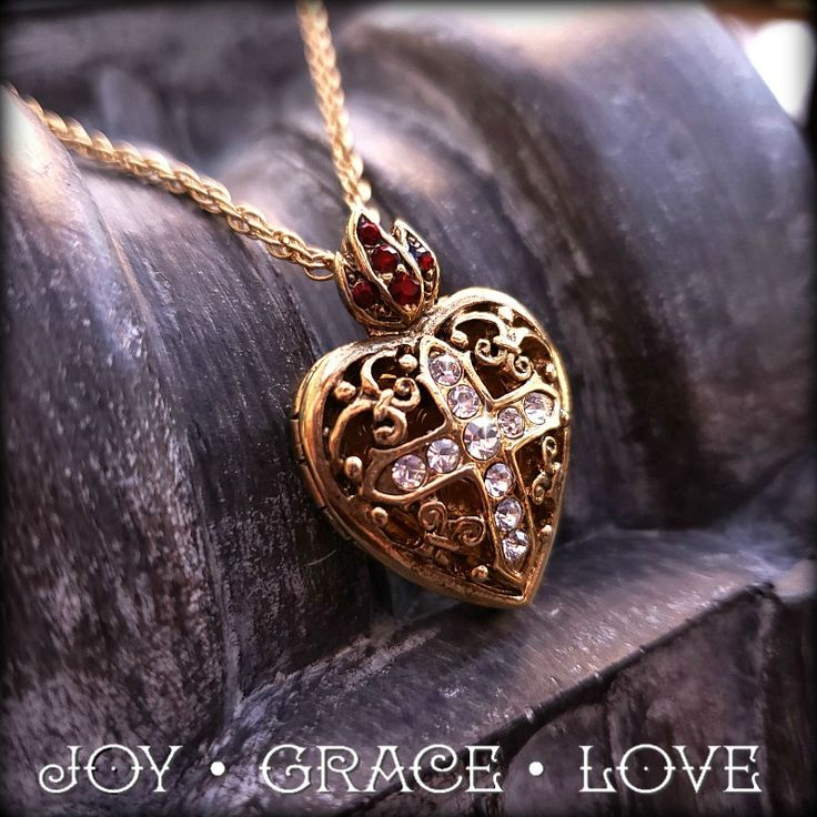 Park Art|My WordPress Blog_How To Add A Picture In A Locket